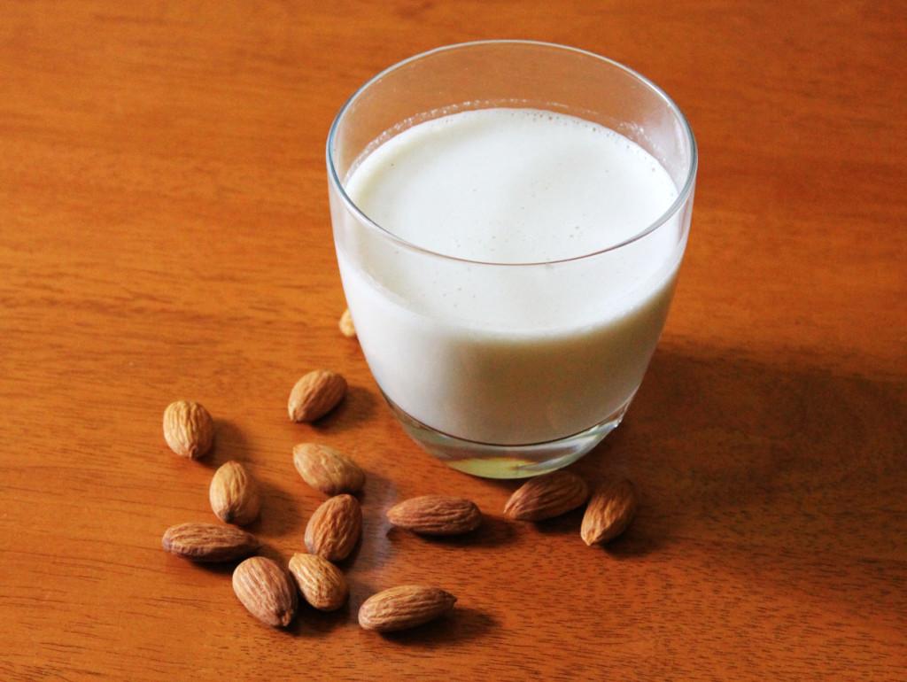 Bademovo mleko u ishrani zdrava hrana i cena
