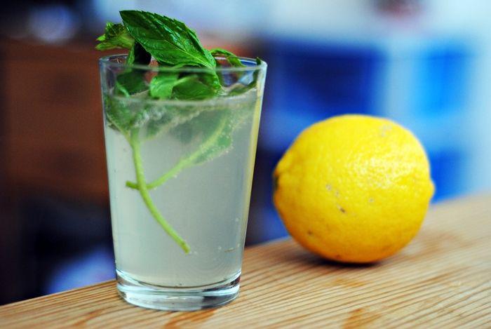 sok od nane i limuna