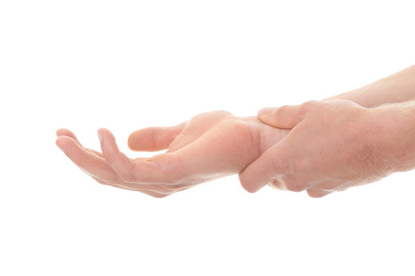 Drhtanje ruku esencijalni tremeor - simptomi i prirodno lecenje