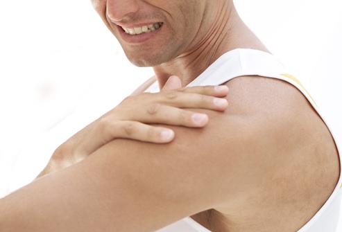 Bol u ramenu - uzroci i lecenje