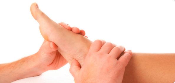 Bolovi u stopalu - uzroci, simptomi i lečenje