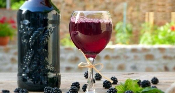 Domaće kupinovo vino - recepti
