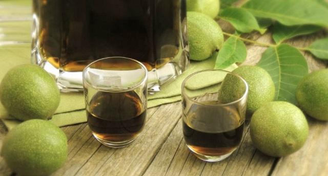 Liker od oraha – lekovitost i recepti